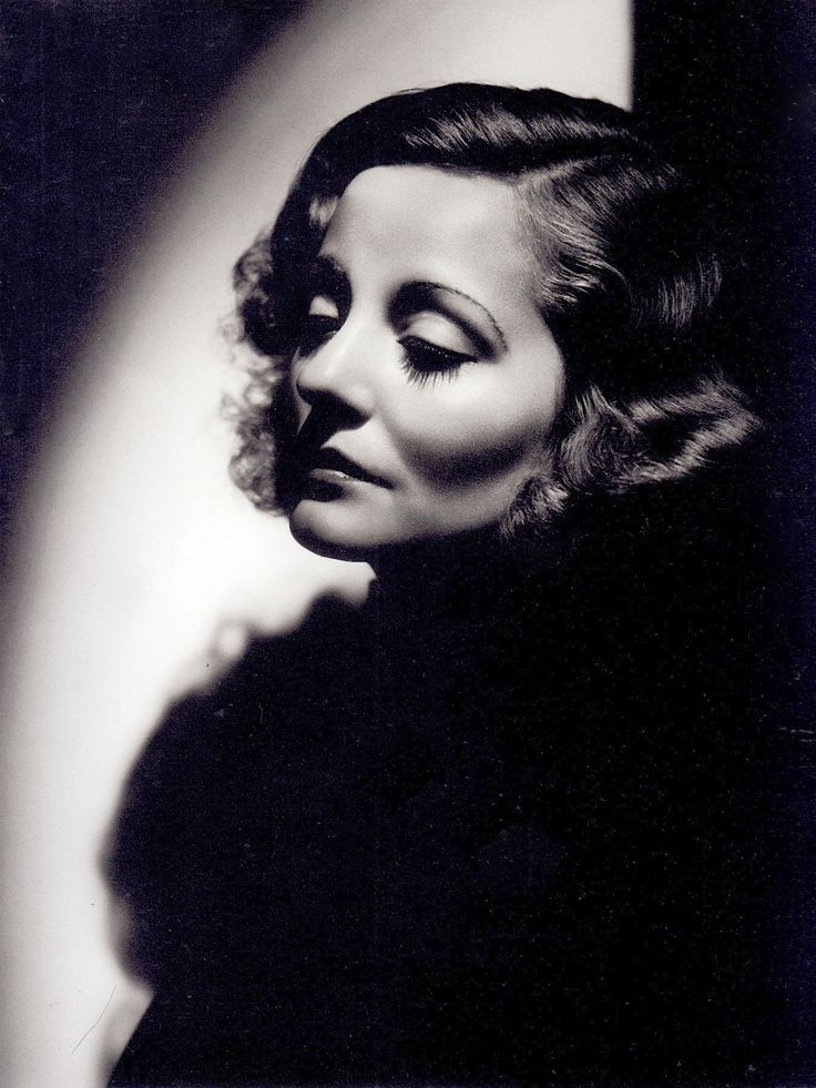 TALLULAH BANKHEAD 1936 by George Hurrell from HURRELL the Kobal Collection. (please follow minkshmink on pinterest) #tallulahbankhead #hurrell