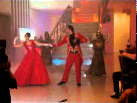 interesting costume ideas and choreography layers Fantasma da ópera- FESTA TEMÁTICA com valsa coreografada e estatuas vivas - YouTube