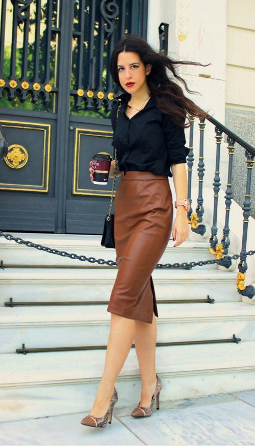Brown midi skirt + brown pumps + black crossbody bag