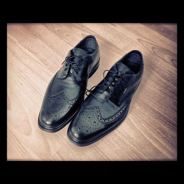 Clarks Gore-tex Autumn/Winter 2012 Men's Formal Shoes: A Functional & Trendy Breathable Brogue Style For Your Christmas Shopping Idea