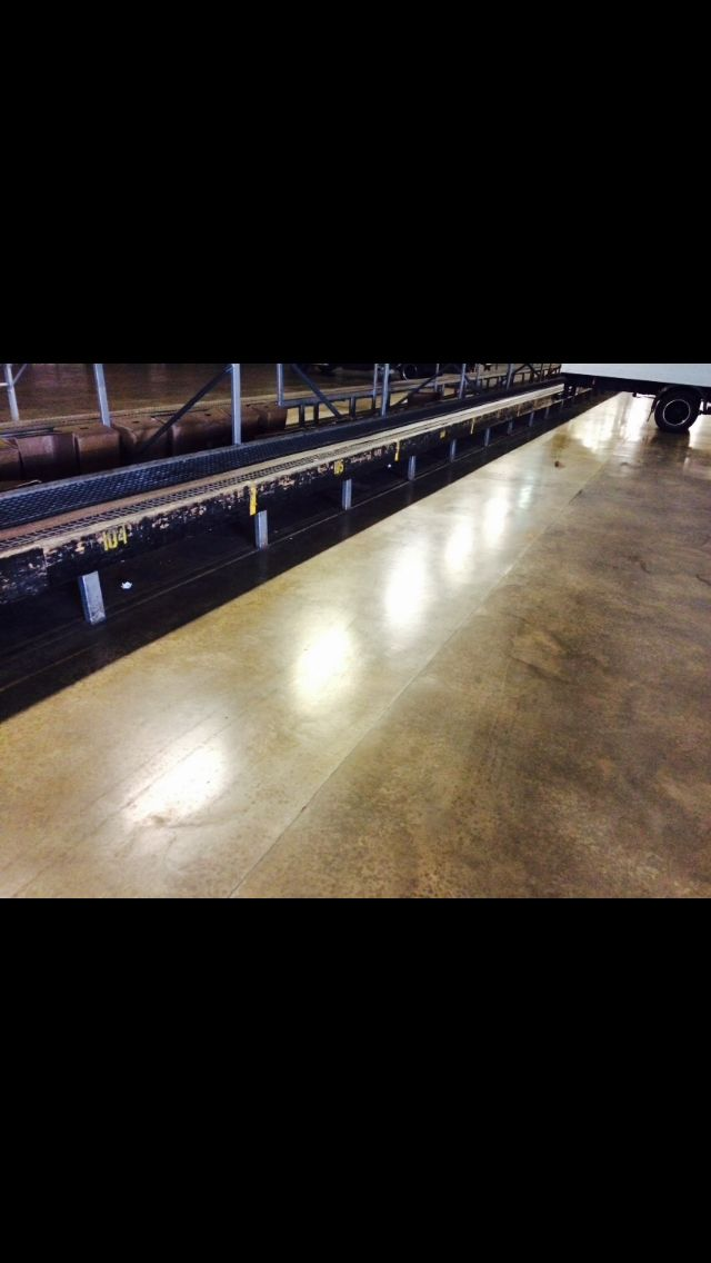 High polished industrial flooring for our customers at UPS. Call (0845) 299 3937