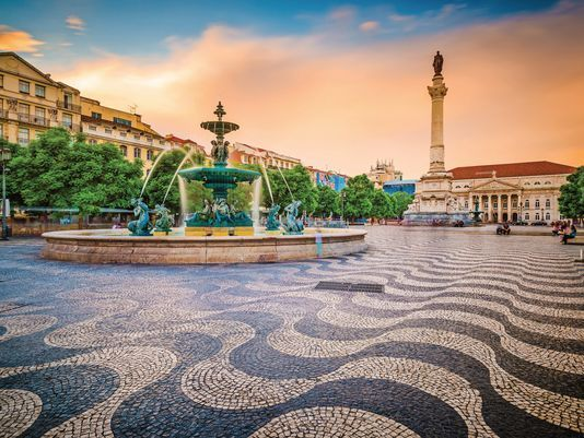 Why #Portugal is a great travel destination: Take the road less traveled with this European gem - via USA Today 19-11-2017 | Seeking mild weather this winter? Portugal is a fantastic choice. Photo: Rossio Square of Lisbon
