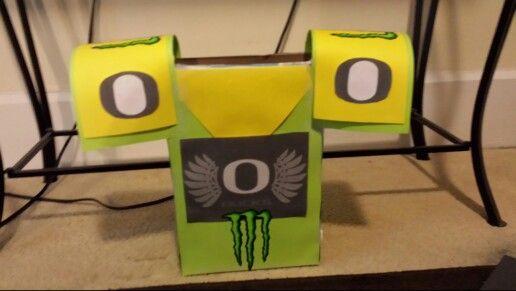 foto de OREGON Football Jersey Valentine box Kids/Fun Pinterest Football Oregon and Valentine box