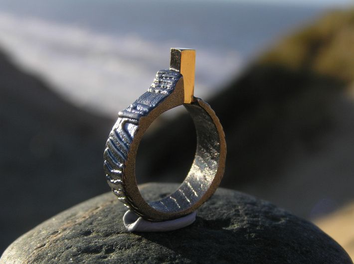 "Loenstrup Smykke Design. Fyrring i sterling sølv med ""fyret"" i 14karat guld. Ringen har Rubjerg Knudes Fyr og fantastiske sand bakker som inspiration."