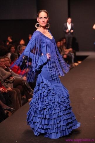 Colección: Quince primaveras por Amparo Macía en Pasarela Flamenca 2011