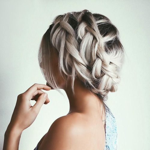 Here are the 100 best hair trends for the year 2016. In this gallery you will find hairstyles for all seasons. These hairstyles are ranging from the sleek to chic, easy to do to messy ones. No matter what you are wearing, for a women her hairstyle is the most important part of her look.