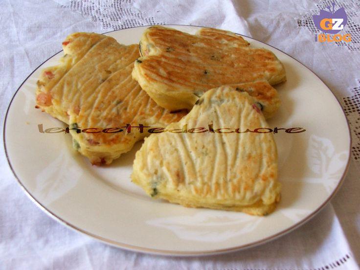 I tortini di patate sono un modo sfizioso per preparare le patate, una ricetta semplice e divertente che piace tanto anche ai bambini, una vera delizia