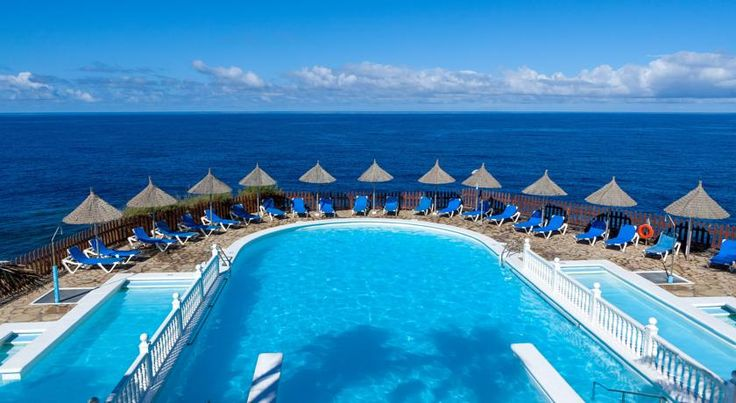Sol La Palma Puerto Naos Set overlooking the tranquil Puerto Naos beach, this 4-star hotel complex is located in a small town on the west coast of the island of La Palma.