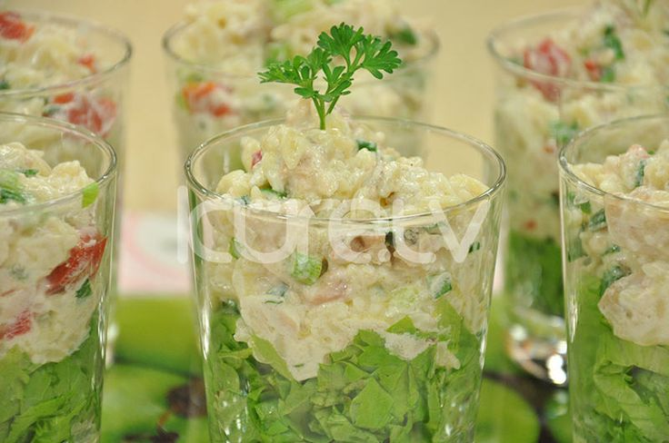 Şehriyeli Tavuk Salatası #Salata #TavukSalatası http://www.kure.tv/foto-galeri/sehriyeli-tavuk-salatasi/1