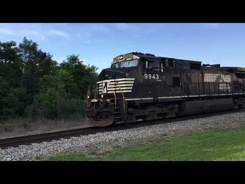 NS 15T gives an awesome wave and horn salute with six motor lashup anda TopHat trailing - YouTube