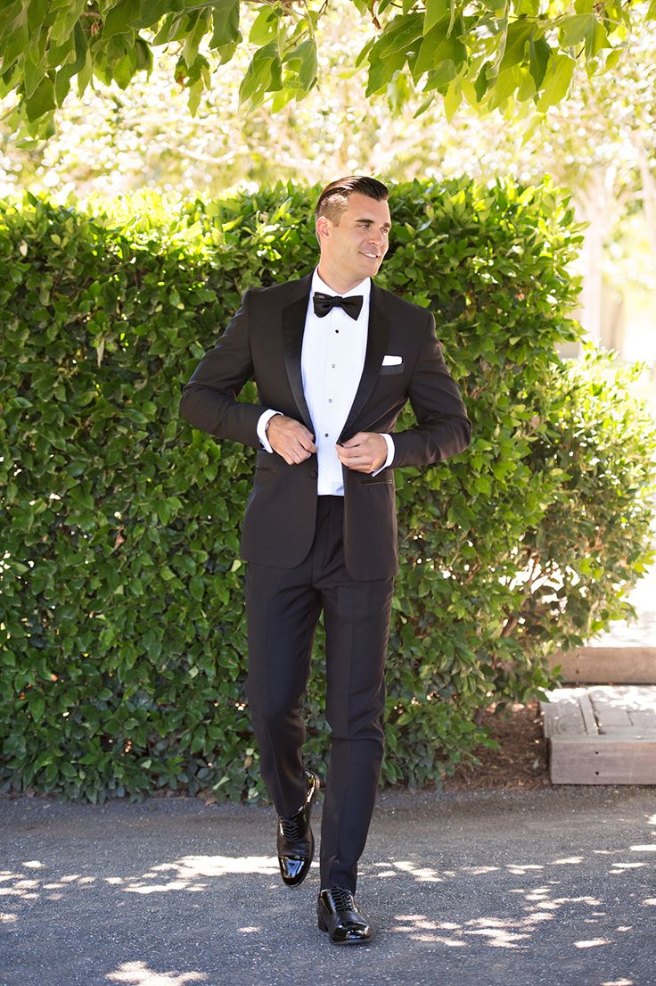 Classic black tux: Groomsmen's Attire: The Black Tux - http://www.stylemepretty.com/portfolio/the-black-tux Groom's Attire: The Black Tux - http://www.stylemepretty.com/portfolio/the-black-tux Photography: Brooke Beasley Photography - brookebeasleyphotography.com   Read More on SMP: http://www.stylemepretty.com/california-weddings/2017/01/30/a-berry-hued-wine-country-wedding-for-the-books/