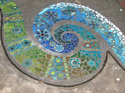 Swirly mosaic in botanical gardens in Darwin