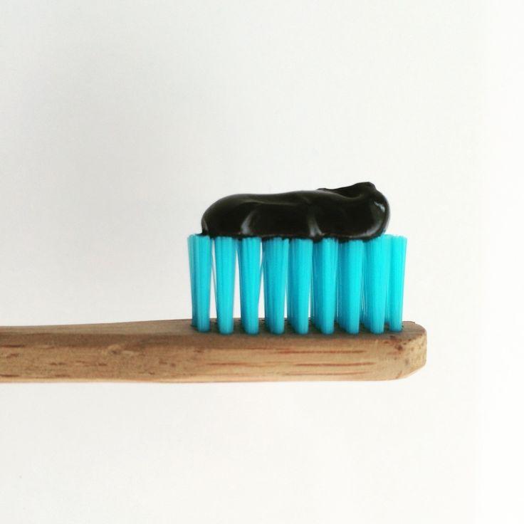 Splat Blackwood Whitening Zahnpasta ohne Fluorid & Hydrophil Zahnbürste