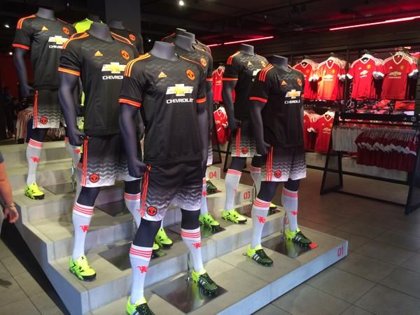 "Manchester United on Twitter: ""Red, white and black. All three kits are available now in the Old Trafford Megastore. http://t.co/Lq2Gf13UOD"""