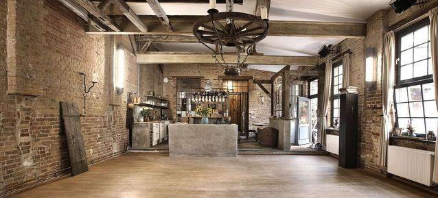 alte schmiede old smithy 39 s dizzle top 20 loft studio und location in berlin loft wohnung. Black Bedroom Furniture Sets. Home Design Ideas