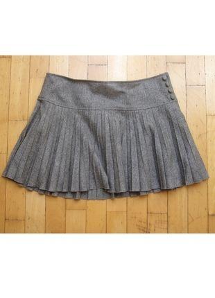 Kup mój przedmiot na #vintedpl http://www.vinted.pl/damska-odziez/spodnice/8923786-sliczna-szara-plisowana-spodniczka-hm