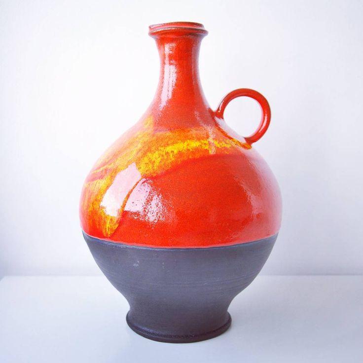 XXL Hutschenreuther Renee Neue 4sale.  http://www.ebay.co.uk/itm/162223156304?ssPageName=STRK:MESELX:IT&_trksid=p3984.m1555.l2649  #fatlava #midcentury #modern #westgermanpottery #Hutschenreuther #ReneeNeue #vintage #pottery #retro #red #black