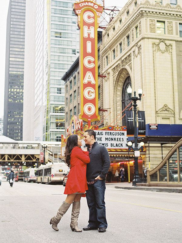 Downtown Chicago engagement shoot. Photography By / brosnanphotographic.com