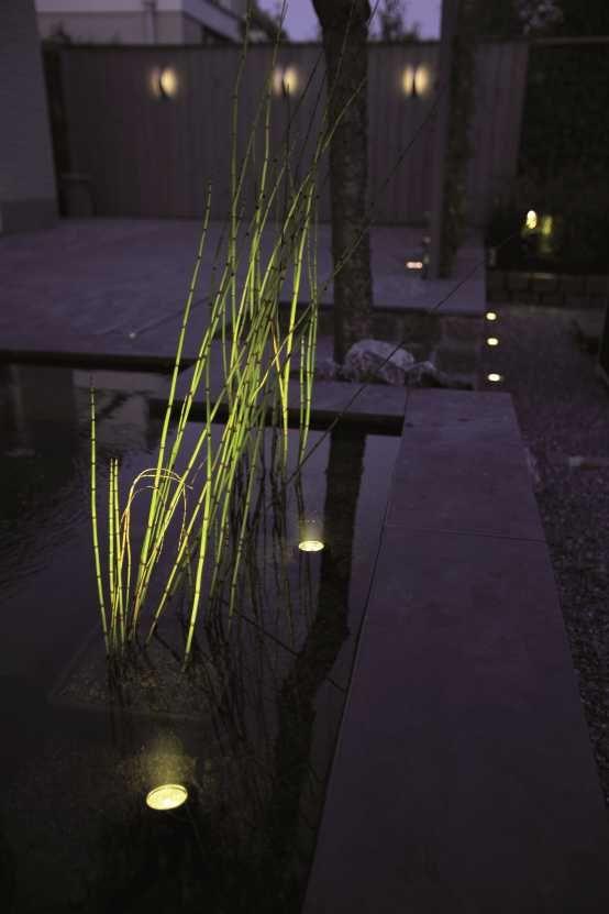 Onderwaterspot SUB is een speciaal ontworpen armatuur voor het onder water uitlichten van ondermeer vijvers en fonteinen. SUB geeft een sfeervol licht en maakt van elk waterelement in je tuin een eye-catcher! Het handige van SUB is dat je hem ook boven water kan gebruiken. #buitenspot #tuinverlichting #vijver #buitenverlichting #onderwaterverlichting