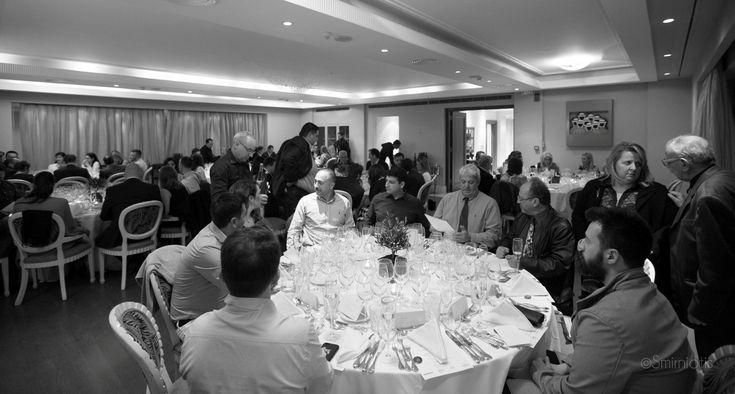 Οι σεφ των έξι καλύτερων εστιατορίων μοντέρνας ελληνικής κουζίνας στην Σαντορίνη, σύμφωνα με τα FNL Best Restaurant Awards by Volvo 2016, παρουσίασαν στο εμβληματικό Ecali Club σε avant premiere, γευστικά στιγμιότυπα από τα καλοκαιρινά τους μενού.