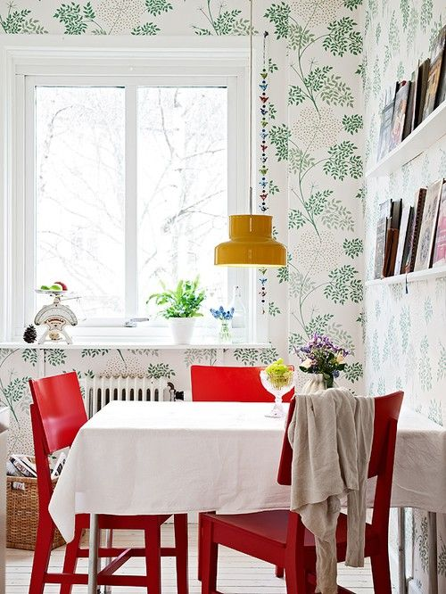 .: Color Decoration, Interiors Inspiration, Breakfast Nooks, Bright Color, Red Chairs, Black Chairs, Dining Tables, Powder Rooms, Mustard Yellow