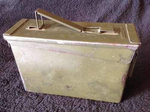 antigua caja de municiones