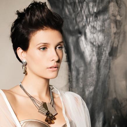Collier/necklace: GALVIA 04-neutre/neutral | Boucles d'oreilles/earrings: LIRIO 02-gris/grey