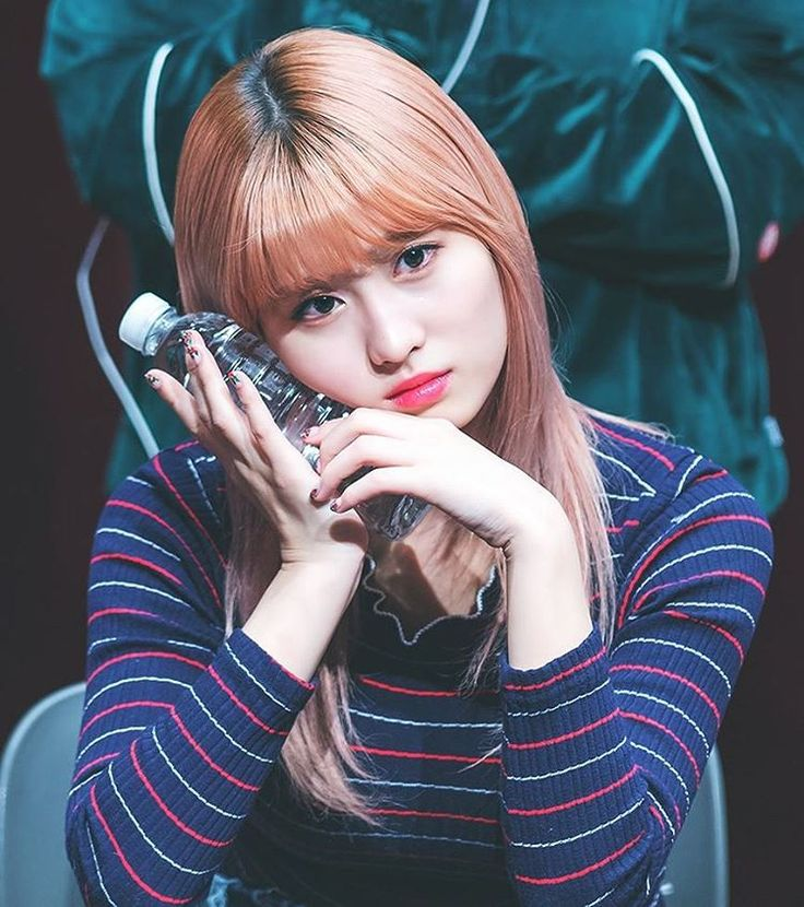 161211   ring ring ring @twicetagram | Momo at Suwon Fansign    #twice #트와이스 #모모 #moguri #momo #hiraimomo #mina #sana #nayeon #dahyun #jungyeon  #chaeyoung  #girlgroup #tzuyu #kpopl4l #jihyo #once #got7 #wondergirls #jypentertainment #jyp #kpop