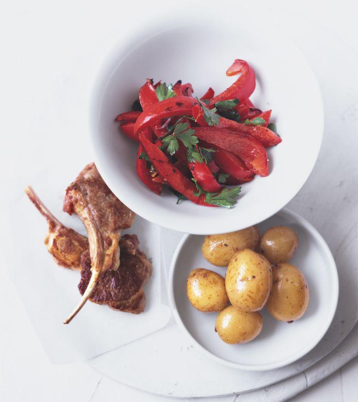Lammkotelett mit Paprika und Kartoffeln.