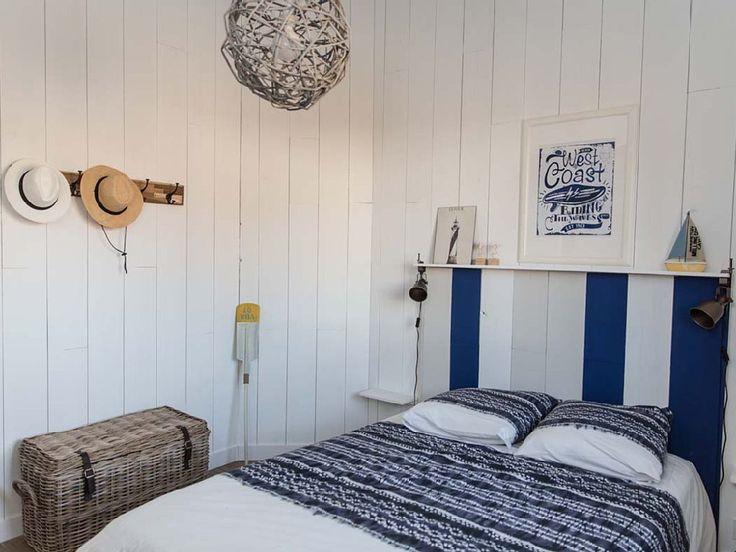 location vacances villa ares chambre marine un grand placard esprit bois et mer aline. Black Bedroom Furniture Sets. Home Design Ideas