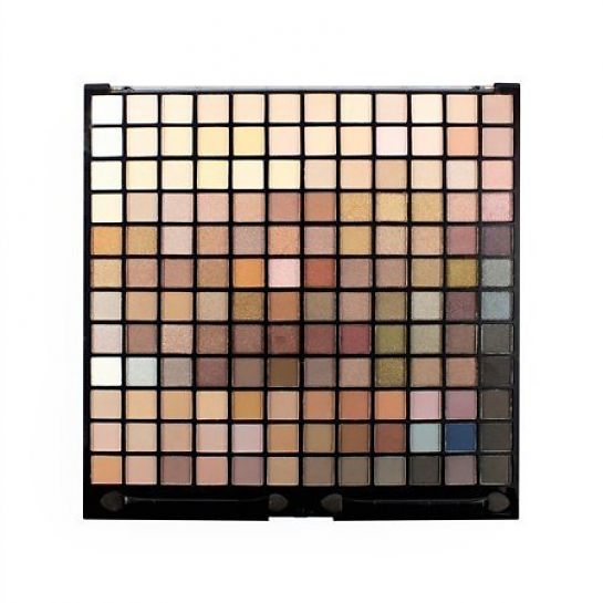 Makeup Revolution Ultimate Iconic 144 Palette, een musthave eyeshadow palette voor de makeup liefhebber! Hoog gepigmenteerd, blendable en long lasting.