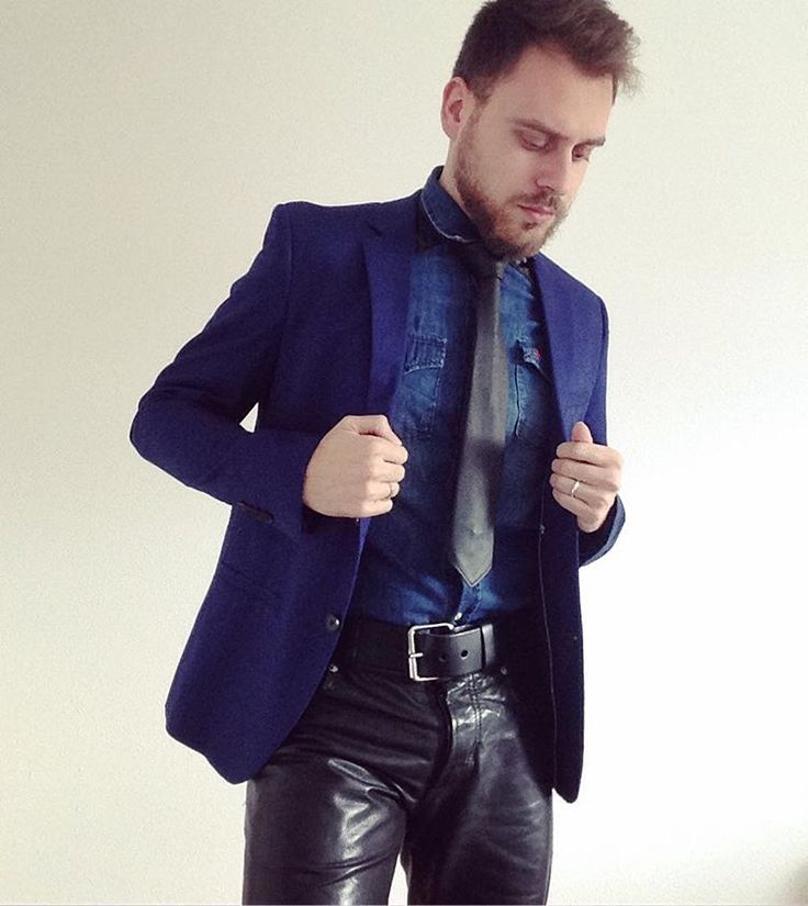 Suite colorée . . . #shoot #photo #photography #blue #black #beard #elegant #gentleman #tie #denim #jacket #leatherjeans #leatherpants #gay #gaybear #gayman #instaboy #instaguy #bearded #beardstyle #style #menswear #mensfashion #fashion #look #model #fun