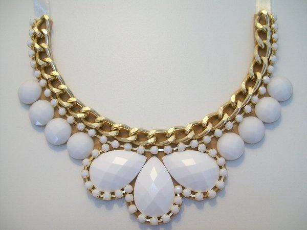 Maxi colar branco