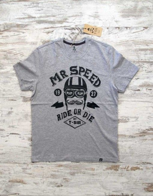 T-SIR Mr Speed grey tee. Ride or die.   Personage T-Sir that, in 1927, piloted an Norton Racer CS1. 100% cotton, super-soft feel. Tag with brand logo at the bottom left.  #mrspeed #rideordie #hipsterstyle #mustacherider #hipstertee #tshirt #greytshirt #hipstertshirt  #tshirtdesign #mens #camisetahipster