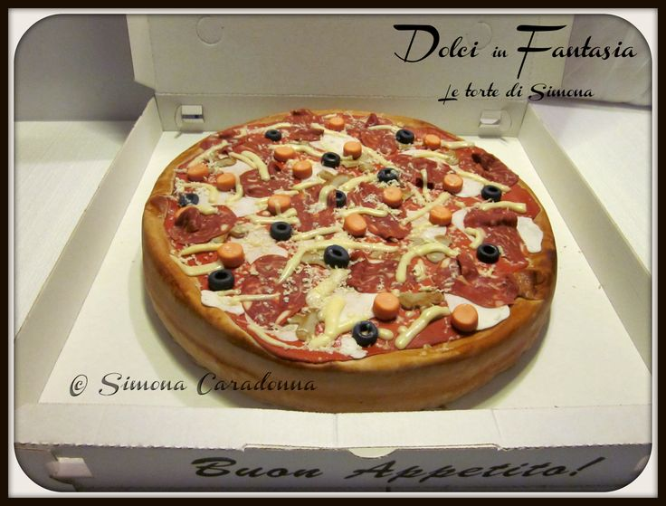 pizza cake ... everything is made with chocolate and sugar ! #pizza