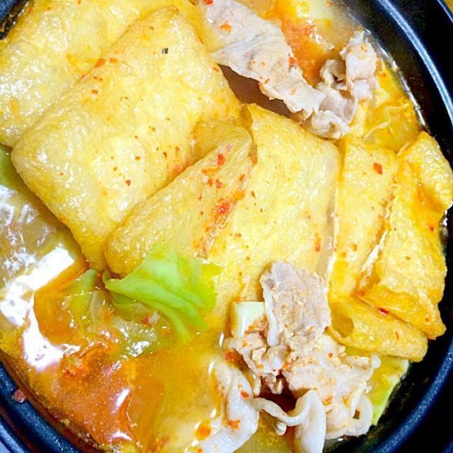 キムチが無くてもチゲは作れるんですね〜 汁を吸った油揚げがメチャ美味です - 127件のもぐもぐ - 豚バラ、キャベツの揚げチゲ by furyu
