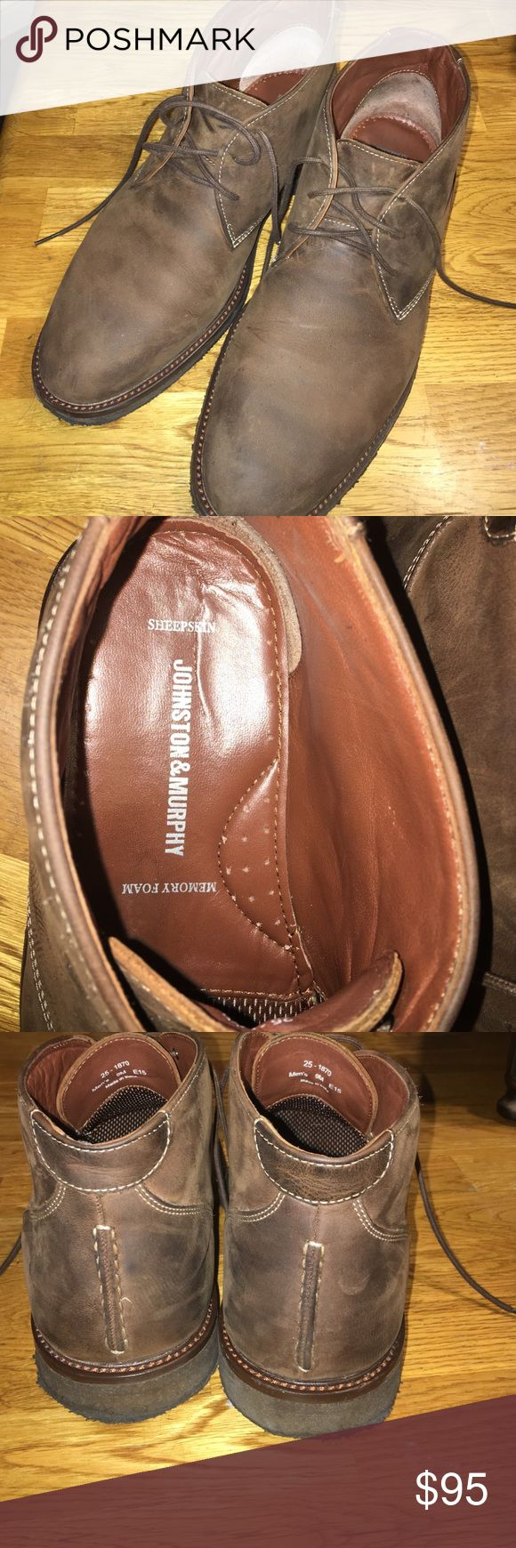 Johnston and Murphy Men's sheepskin chukka boot Johnston and Murphy Men's sheepskin chukka boot . Worn 3 times. 9M Johnston & Murphy Shoes Chukka Boots