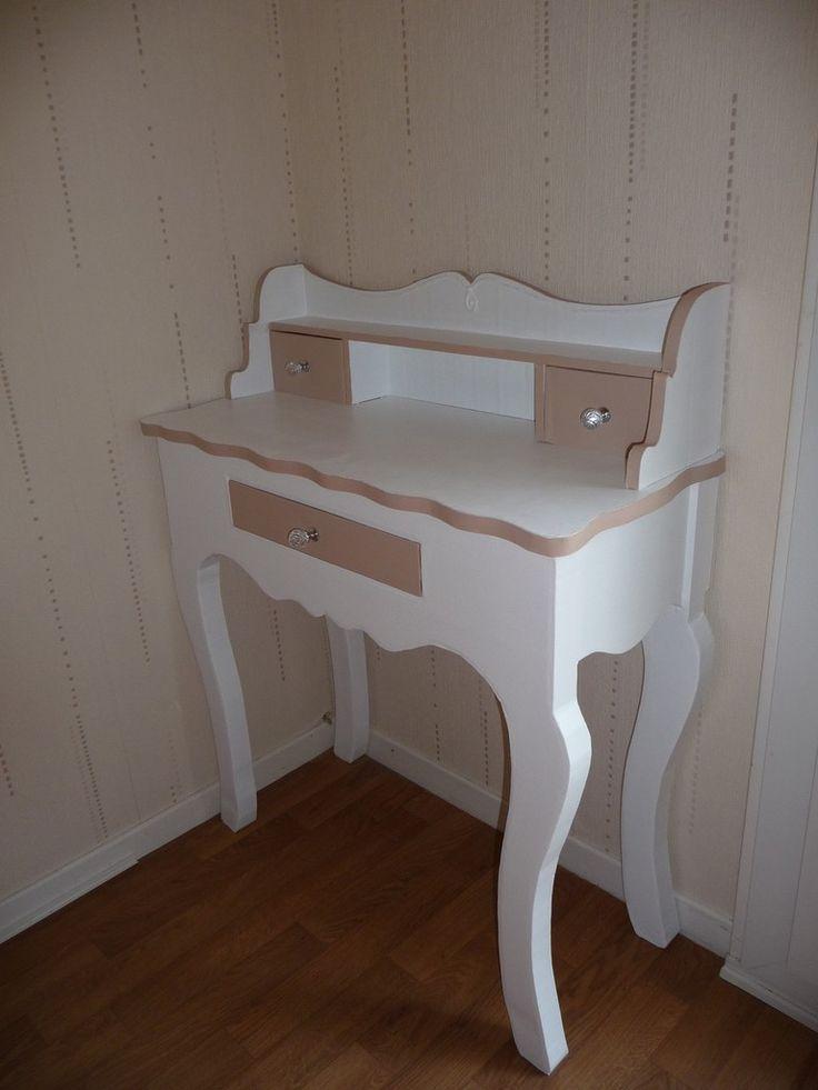 Les 393 meilleures images propos de meubles en carton - Secretaire sous le bureau ...
