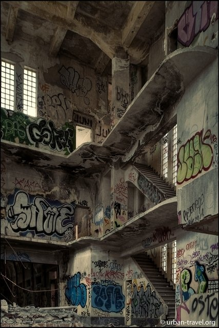 Abandoned prison, Spain.  www.urban-travel.org