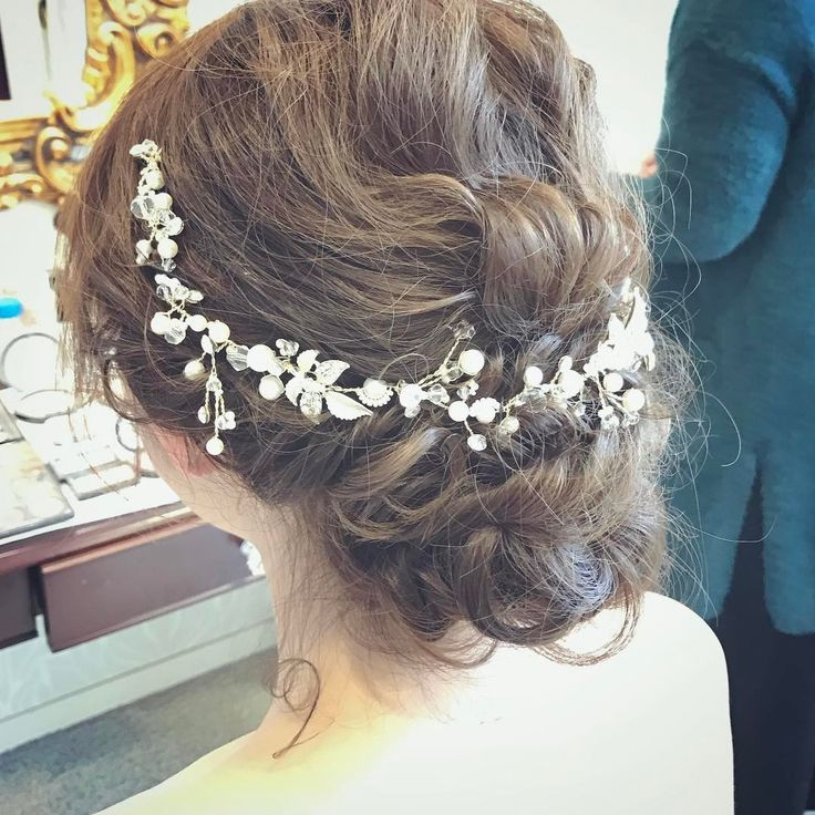 花嫁ヘア・ブライダルヘアで人気のヘアアクセサリー3選 | marry[マリー]