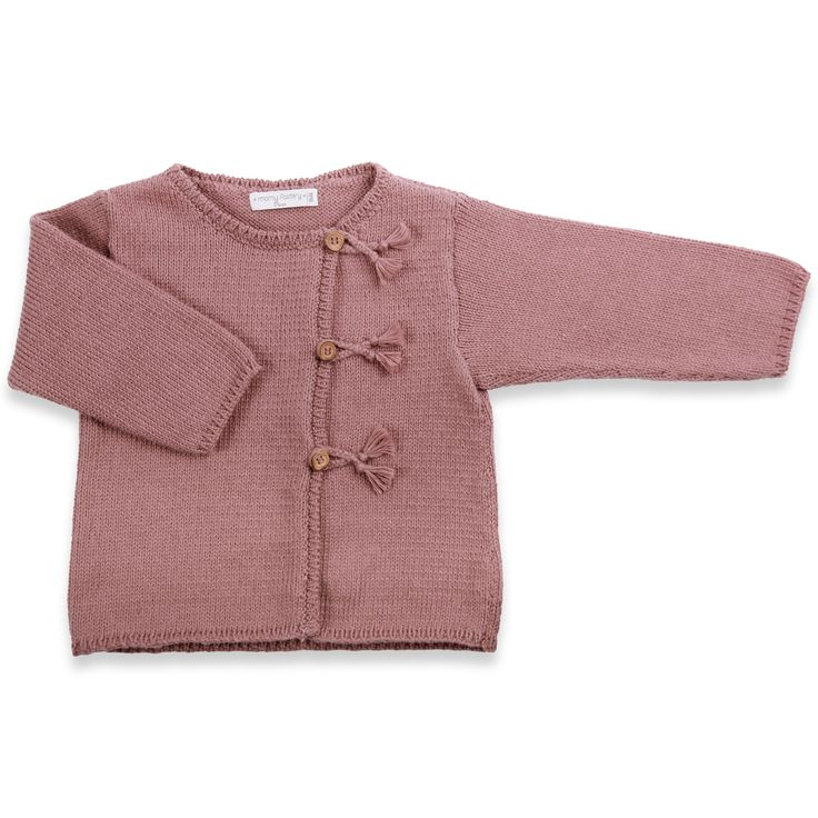 Gilet pour bébé, de couleur santal, tricoté en point jersey. Fermé par 3 boutons en bois d'olivier et boutonnières tresses. Tout doux en coton (90%) et cachemire (10%). Tricoté par nos grands-mères spécialistes du tricot.