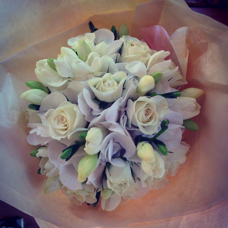 White Hydrangea and spray roses