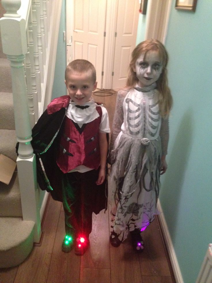 #PartyDotsForSmiles with our Pals from Wales  Trick or Treat!