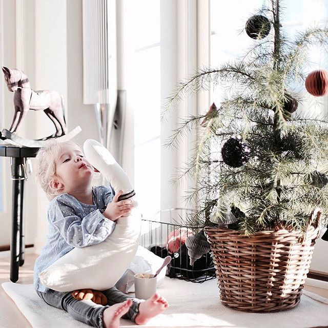 Myyyyys gåååås 😘 #sødejulely #christmas #christmasdecor #christmastime #juletræ #julepynt #nordstjerne #stue #stueinspirasjon #stueinspo #mailegfurniture #andersenfurniture #hübsch #love #indretning #boligindretning #instagramer @mailegworld