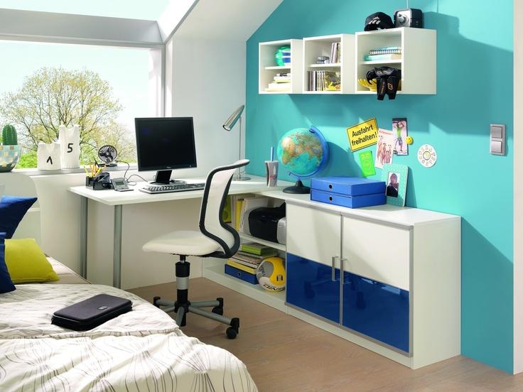 Frisches blau ist die farbe der entspannung und verleiht for Jugendzimmer auf kleinem raum