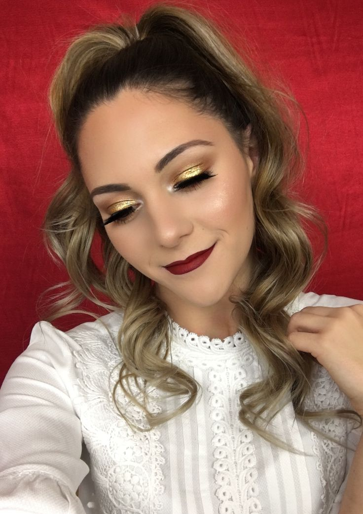 Classic holiday makeup look using Morphe 35F palette and