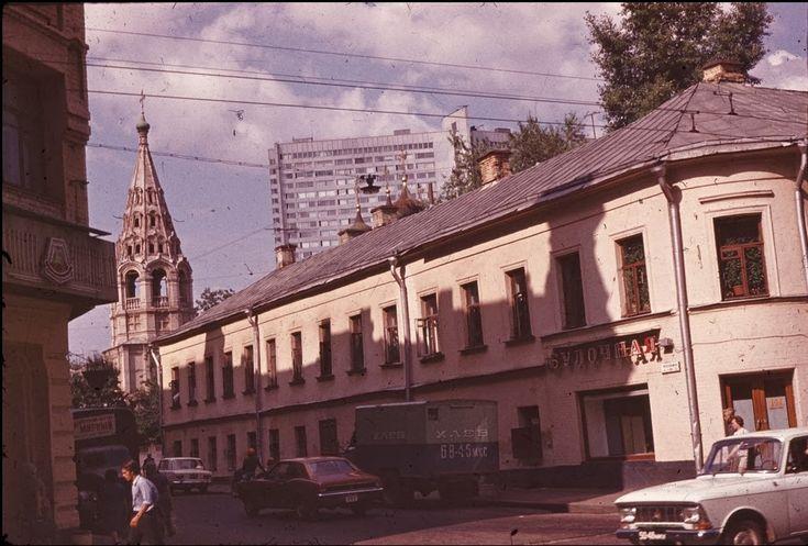 """Встретил у agathis на flickr'е замечательную серию фотографий """"Фотографии, найденные в конверте с надписью """"Москва, Арбат"""" и захотел перетащить в свой журнал,…"""