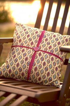 Debbie Shore: Box Pleat Cushion