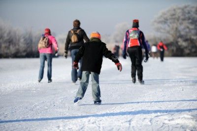 Reasons to Love Calgary: Outdoor Skating Rinks #lovecalgary #iceskating #outsideskating