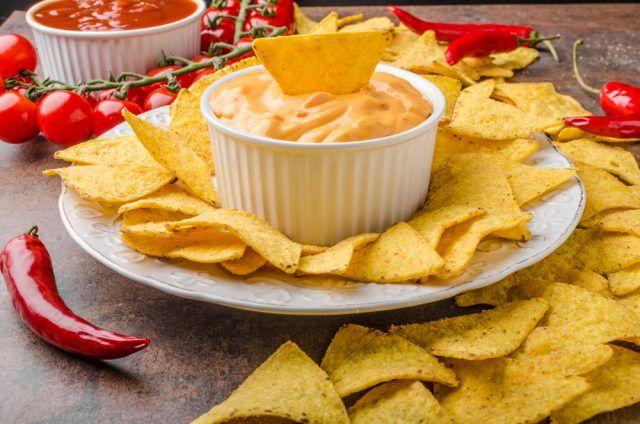 Receta de salsa de queso para nachos ¡todos se chuparán los dedos!   #SalsaDeQuesoParaNachos #SalsaDeQuesoCheddar #SalsaParaNachos #SalsaDeQuesoCasera #SalsasFáciles #SalsasRápidas